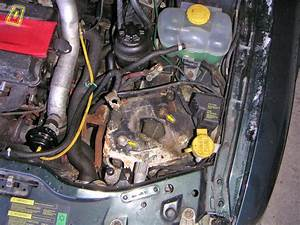 Service Manual  1996 Saab 900 Battery Removal