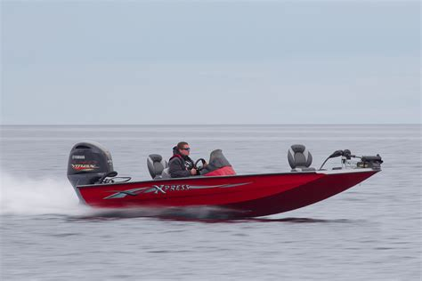 Aluminum Bass Boat Speeds xpress x19 ballistic bass boat boats