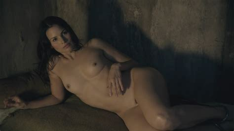 Katrina Law Completely Nude In Spartacus Blood And Sand S E Nude Tv Show