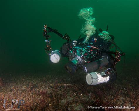 underwater photographer  pressure