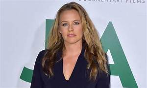 Alicia Silverstone Reveals Her Low Maintenance Hair And