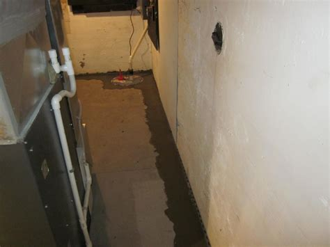 60 Leaking Crack In Basement Wall Basement Crack Leak