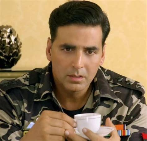 Sonakshi Sinha And Akshay Kumar Hot In Holiday Movie First