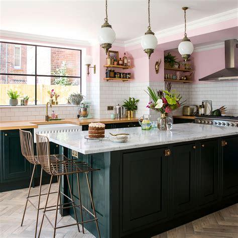 green kitchen ideas  ways  redecorate  green