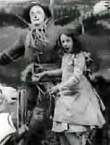 The Wonderful Wizard of Oz (1910) Starring: Bebe Daniels ...