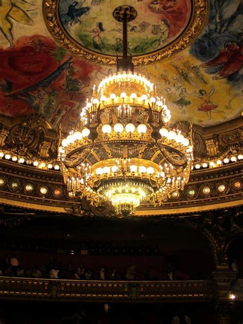 lustre de la salle de l op 233 ra garnier plafond de chagall opera garnier desconocida
