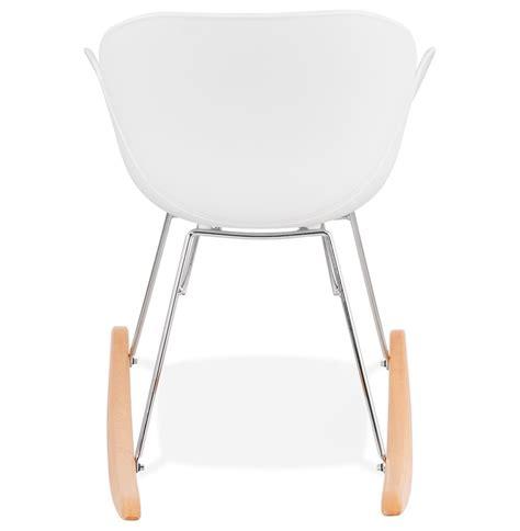 chaise plastique blanche chaise à bascule design baskul blanche en matière plastique
