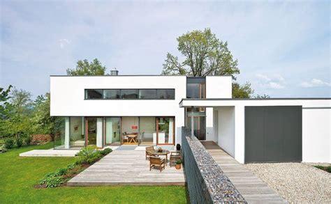 bauhaus architektur einfamilienhaus energieeffizientes flachdach haus im bauhaus stil haus bau zuhause3 de living häuser