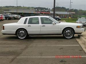 Rarmelin888 1996 Lincoln Town Car Specs  Photos  Modification Info At Cardomain