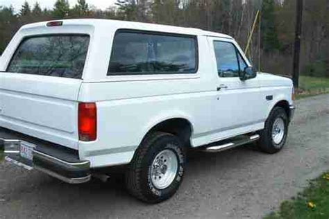 sell   ford bronco xl  white  orange
