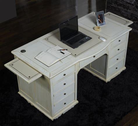 bureau chene blanchi bureau ministre simon en chêne de style louis philippe