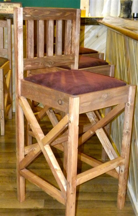 Diy Bar Furniture by White Rustic Bar Stools Diy Projects