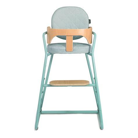 chaise haute b b en bois chaise haute évolutive en bois et métal bleu turquoise