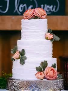 rustic wedding cakes diy rustic wedding by michael meeks photography knotsvilla