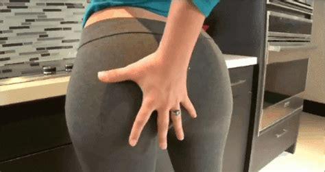 Yoga Pants Gifs Hnggggggg Bodybuilding Com Forums