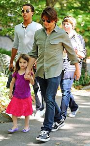 Tom Cruise Isabella and Connor