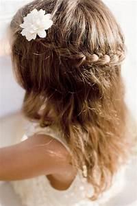 Coiffure Enfant Tresse : coiffure enfant pour mariage ~ Melissatoandfro.com Idées de Décoration