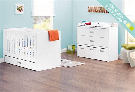 chambre bebe lit et commode lit bébé évolutif et commode à langer enzo laqué blanc mat