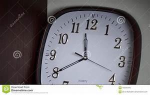 Horloge Murale Blanche : horloge murale blanche stock photos 128 images ~ Teatrodelosmanantiales.com Idées de Décoration