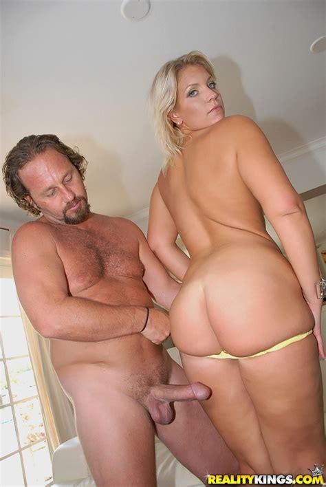 Sexy Milf Booty Fuck Scene With Luscious Big Ass Mom