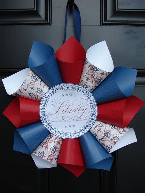 4th of July Paper Wreath DIY