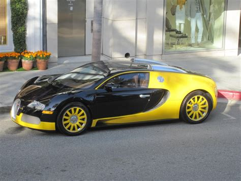 Bugatti Veyron Black And Yellow by Black And Yellow Bugatti Veyron