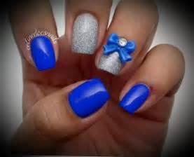 Royal blue and glitter silver nail art beautiful short designs