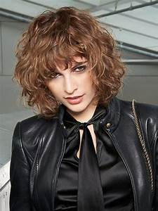 Frisuren Locken Mittellang : mittellange frisurentrends 2019 mode frisuren ~ Frokenaadalensverden.com Haus und Dekorationen