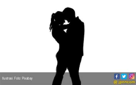 istri sering chatting dengan pria lain ternyata ngajak
