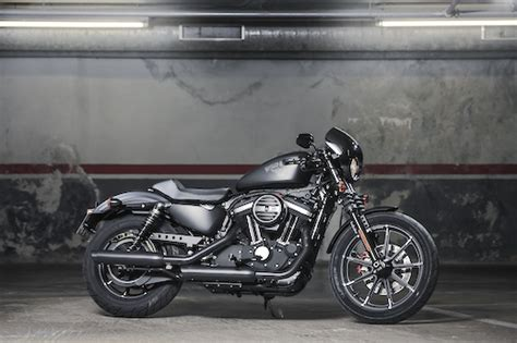 Review Harley Davidson Iron 883 by Harley Davidson Sportster Iron 883 Review
