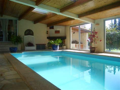 chambre avec privatif gard gîte de charme avec piscine intérieure 17359001 location