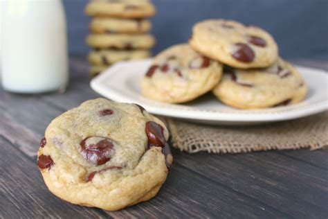 how to make cookies how to make chocolate chip cookies genius kitchen