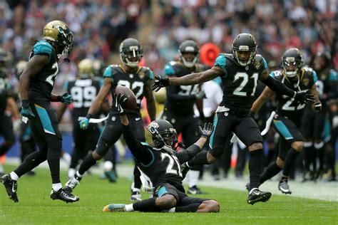 Jaguars Rout Ravens In London, Lewis Scores 3 Tds