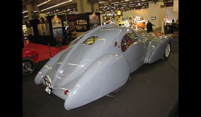 The atlantic, and other variants of the type 57 as well, doesn't have the most spacious of interiors. Bugatti Type 57 S Atlantic - Chassis 57473 - 1937
