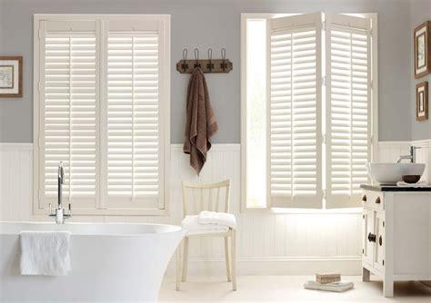 reasons plantation shutters  perfect  bathrooms