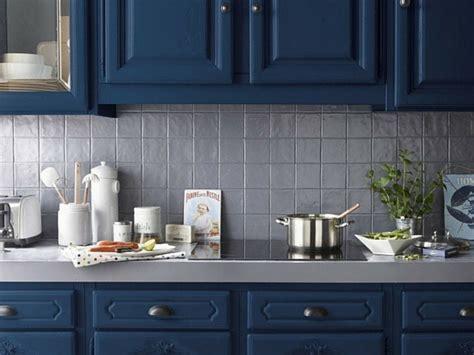 peinture pour meubles de cuisine une peinture bleue pour les meubles de la cuisine