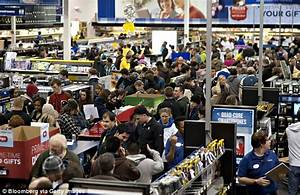 Black Friday's number of shoppers and store takings both ...