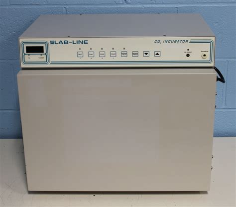 Lab-Line Model 316 Air-Jacketed Compact Automatic CO2 ...