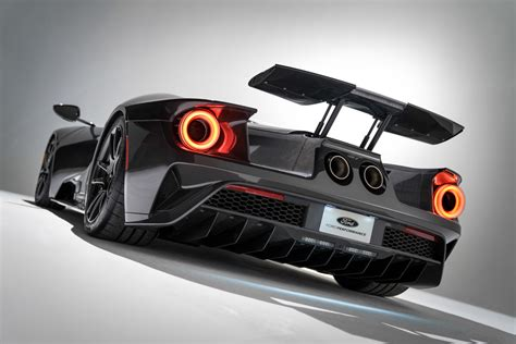 ford gt liquid carbon  incredible  paint