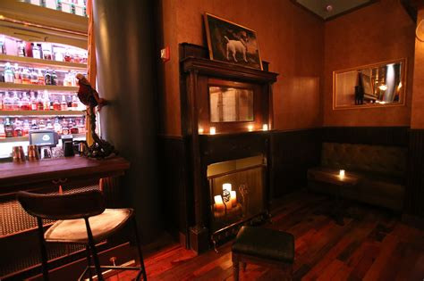 Hearth Of A Fireplace by Fireplaces At New York Bars Ten Toasty Hearths To Warm You
