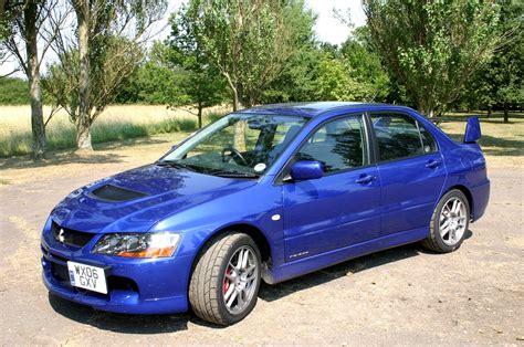 Mitsubishi Evo Review by Mitsubishi Lancer Evo Evo Ix Review 2005 2008 Parkers