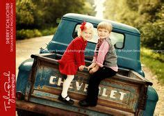 id love   christmas mini session    truck