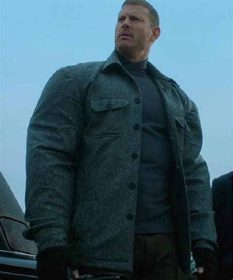 Tom Hopper The Umbrella Academy Grey Luther Hargreeves ...