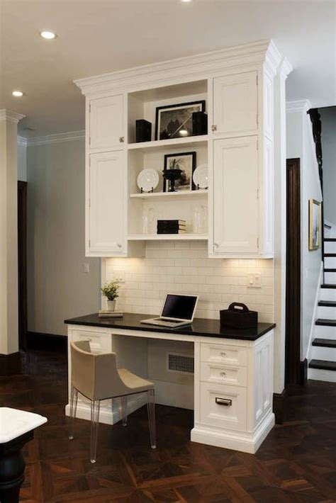 17 best ideas about built in desk on kitchen
