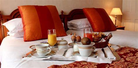chambre rome week end de luxe cannes avec 2 coupes de chagne à