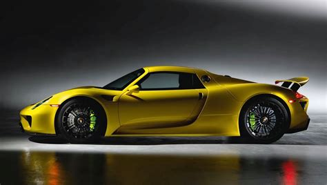 porsche spyder yellow the porsche 918 spyder looks absolutely stunning in yellow
