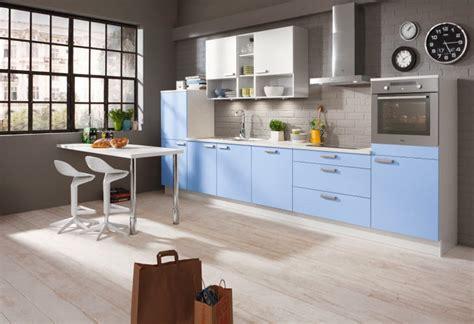 cocinas integrales modernas en color celeste colores en casa