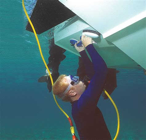 How To Clean Boat Hull by How To Clean The Bottom Of A Boat Underwater Citiguide