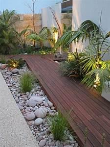 Holzplatten Für Balkon : holzfliesen verlegen holzboden auf dem balkon ~ Frokenaadalensverden.com Haus und Dekorationen