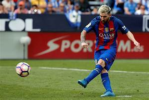 Borussia Monchengladbach vs Barcelona: Lionel Messi and ...